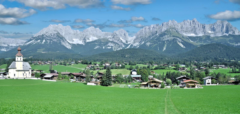 les AM allants wilden le kaiser, le Tirol, Autriche image libre de droits