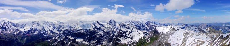 Les Alpes magnifiques photographie stock