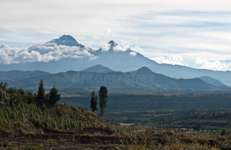 Les Andes. L'Equateur. Réserve naturelle d'Ilinizas photographie stock