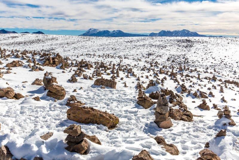 Les Andes, route Cusco- Puno, Pérou, Amérique du Sud. 4910 m ci-dessus. La plus longue gamme de montagne continentale dans le mond image stock
