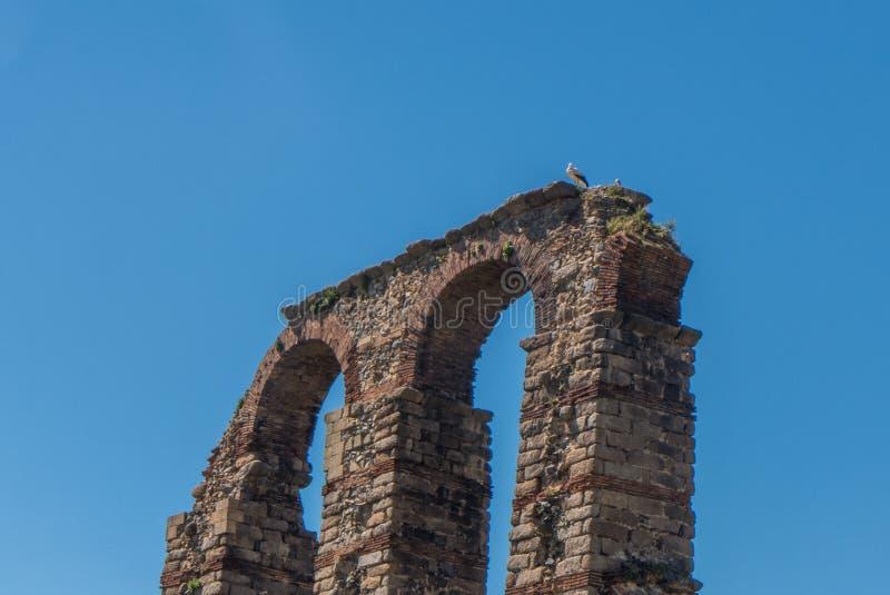 Les archs de l'aqueduc à Mérida photographie stock