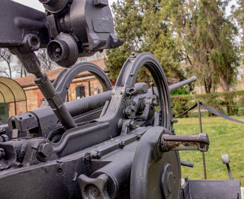 Les armes antiaériennes italiennes dans la deuxième guerre mondiale, ils ont protégé la lagune vénitienne contre des bateaux et d photo libre de droits
