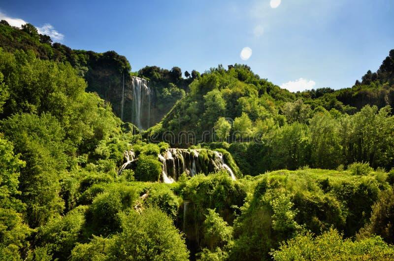 Les automnes de Marmore est une cascade synthétique créée par les Romains antiques situés près de Terni, Italie image stock