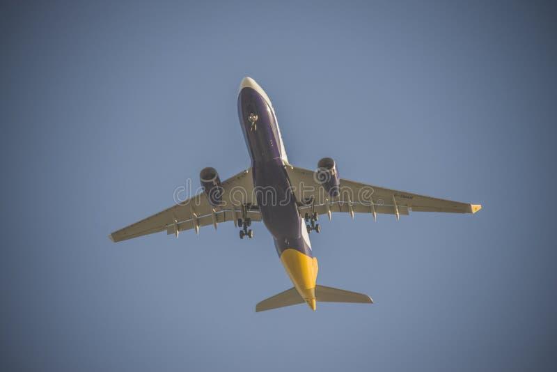 Les avions à réaction au-dessus du naama aboient, Sharm El Sheikh, Egypte photos stock