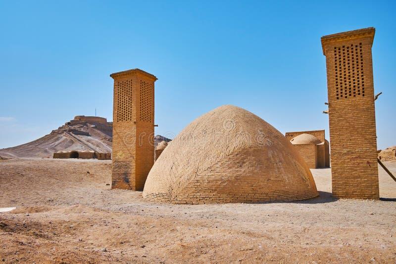 Les bâtiments antiques des tours du site archéologique de silence, photos stock