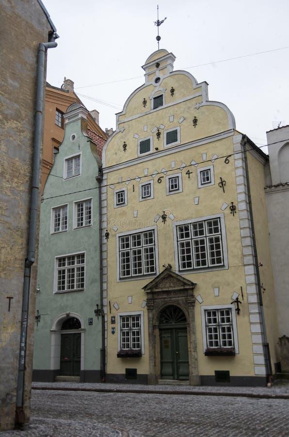 Les bâtiments les plus anciens dans la vieille ville de Riga - photo libre de droits