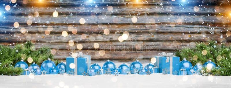 Les babioles et les cadeaux bleus de Noël ont aligné le rendu 3D illustration libre de droits
