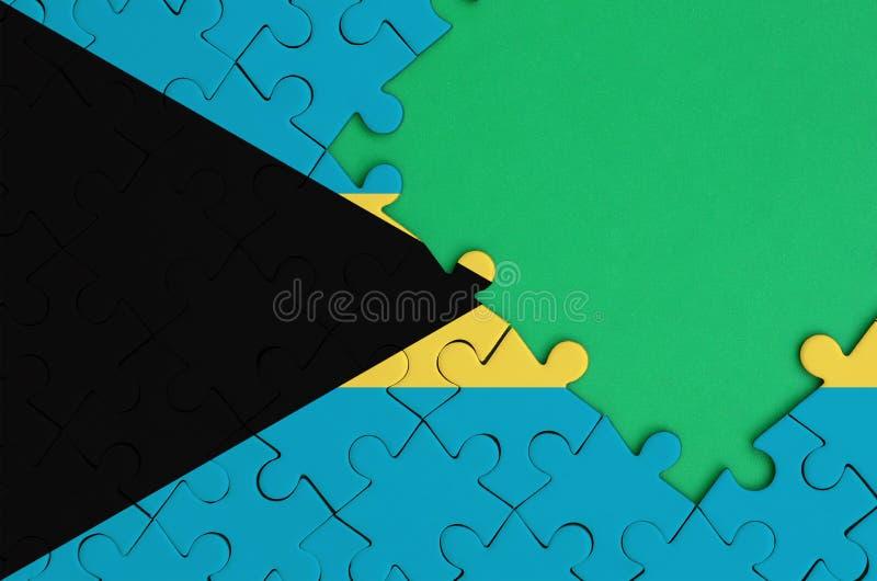 Les Bahamas diminuent sont dépeintes sur un puzzle denteux réalisé avec l'espace vert gratuit de copie du côté droit illustration stock