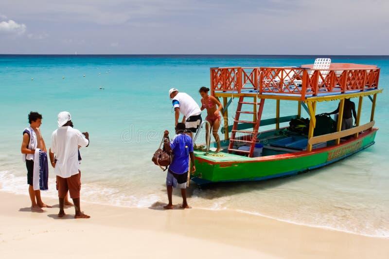 Les Barbade - excursion de bateau de bas en verre images libres de droits