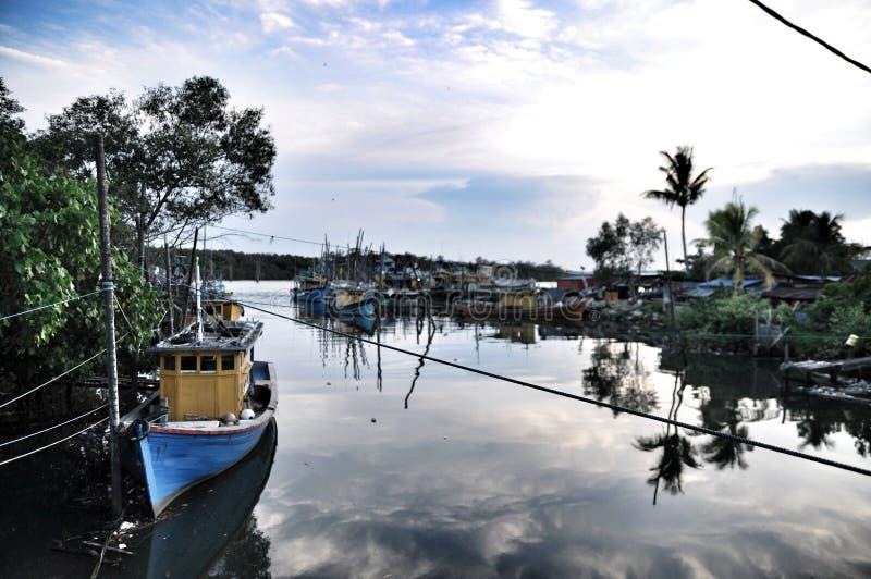 Les bateaux de pêche photographie stock