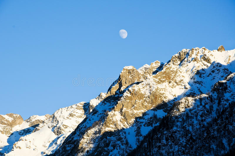 Download Les Belles Montagnes Autour Du Bionaz Dans Le Val D'Aoste, Italie Image stock - Image du france, alpes: 76087999