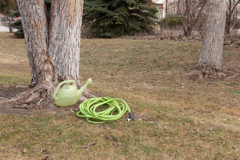 Les besoins de arrosage de pelouse d'hiver images stock
