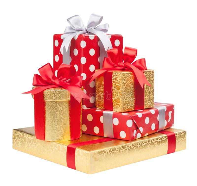 Download Les Boîtes Rouges, Rayées Et D'or Avec Des Cadeaux Ont Attaché Des Arcs Image stock - Image du salutation, satin: 45363007