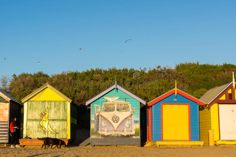 Les boîtes se baignantes colorées à Brighton échouent à Melbourne, Australie photographie stock