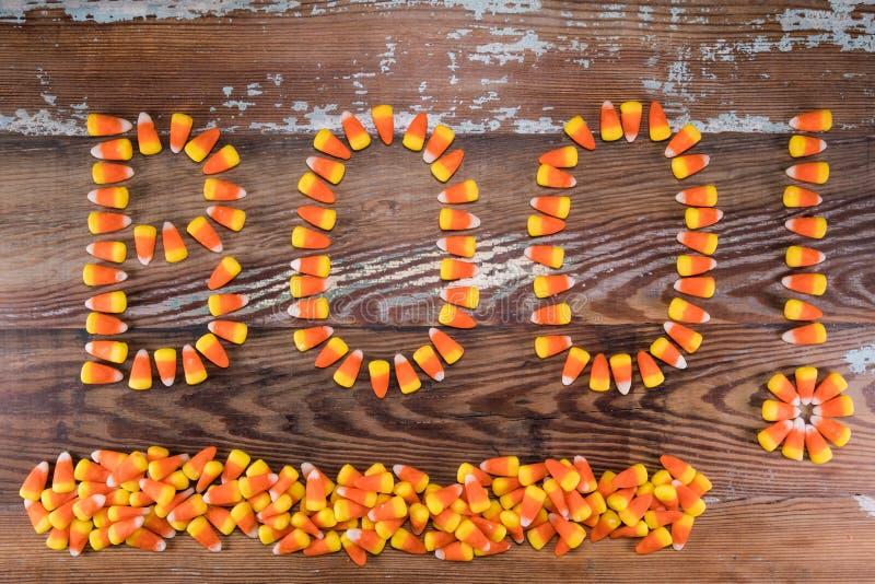 Les bonbons au maïs huent ! Avec la pile ci-dessous photographie stock libre de droits