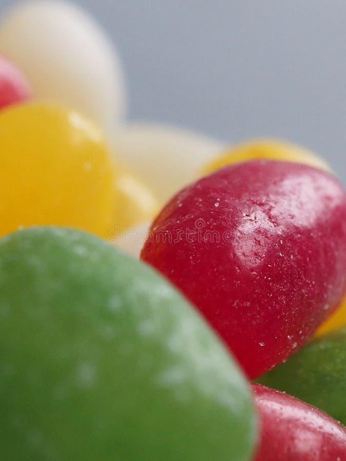 Les bonbons colorés à dragée à la gelée de sucre se ferment  photographie stock