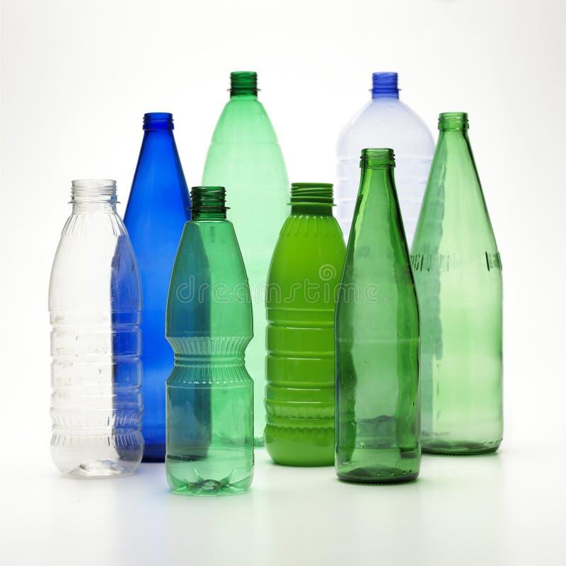 les bouteilles réutilisent image stock