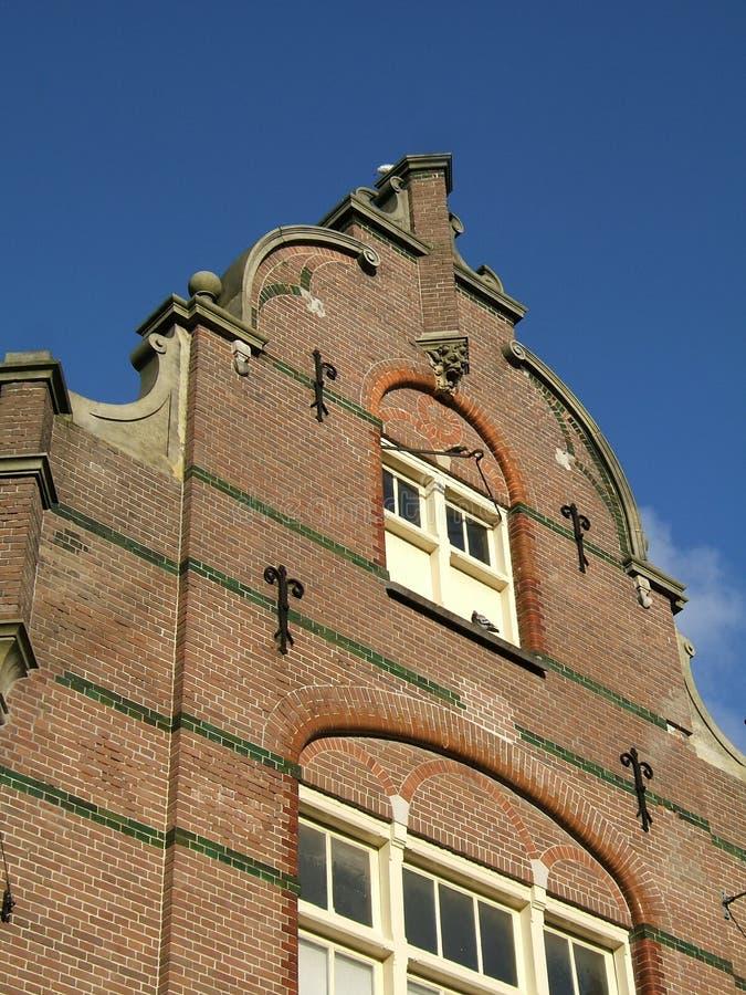 Les briques traditionnelles d'Amesterdam autoguident la façade photo stock