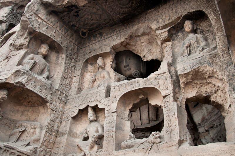 Les buddhas découpés chez le Yungang foudroie, Datong photographie stock