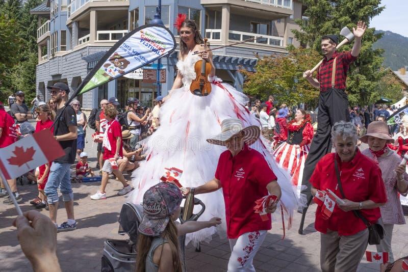 Les célébrations de jour du Canada défilent au village de Whistler photo libre de droits