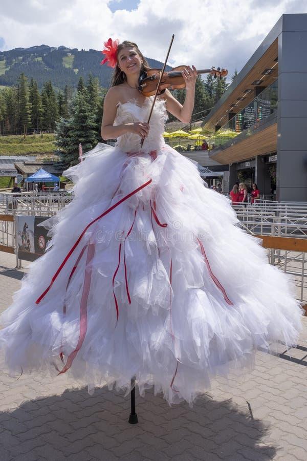 Les célébrations de jour du Canada défilent au village de Whistler photos stock