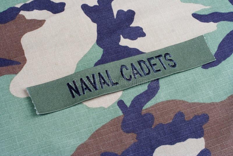 Les CADETS NAVALS des USA s'embranchent bande sur l'uniforme de camouflage de région boisée images stock
