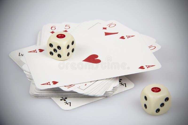 Les cartes de jeu avec découpe images libres de droits