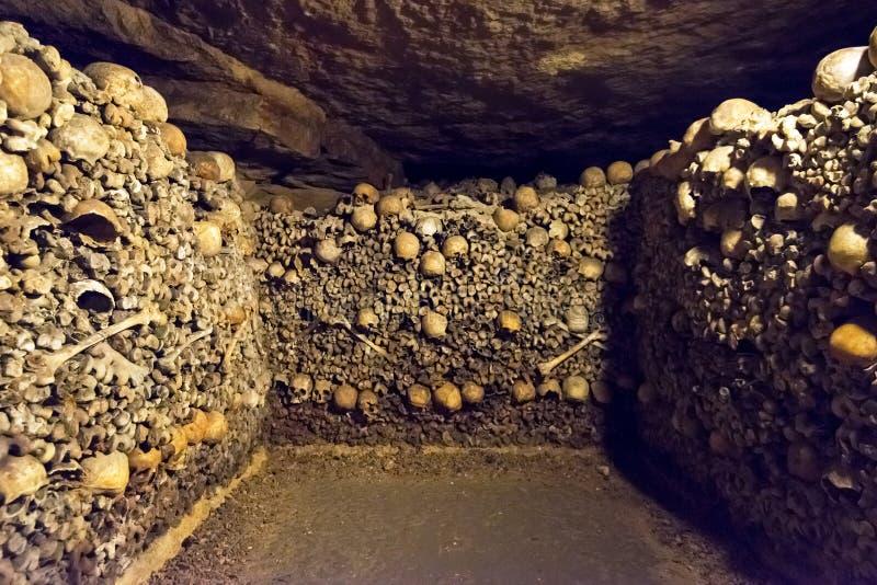 Les catacombes de Paris photographie stock