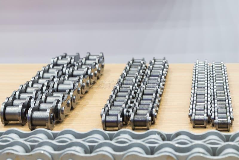 Les chaînes industrielles pour la machine images stock