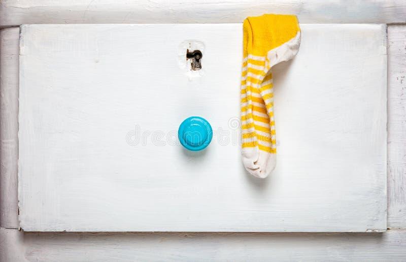 Les chaussettes collent du tiroir photo libre de droits