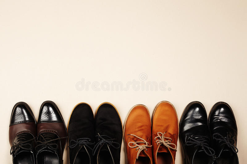 Les chaussures des hommes de mode toujours bottes d'hommes de la vie photo libre de droits