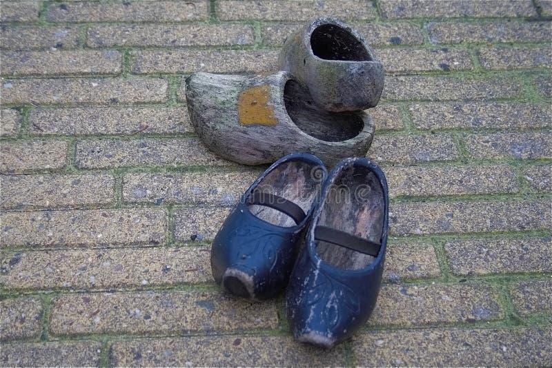 Les chaussures en bois klompen images stock