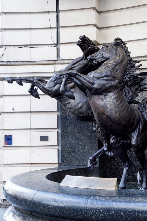 Les chevaux de Helios Statue dans Piccadilly Londres le 11 mars 2019 image stock