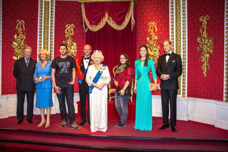 Les chiffres de cire de famille royale britannique à Madame Tussauds Wax Museum photographie stock