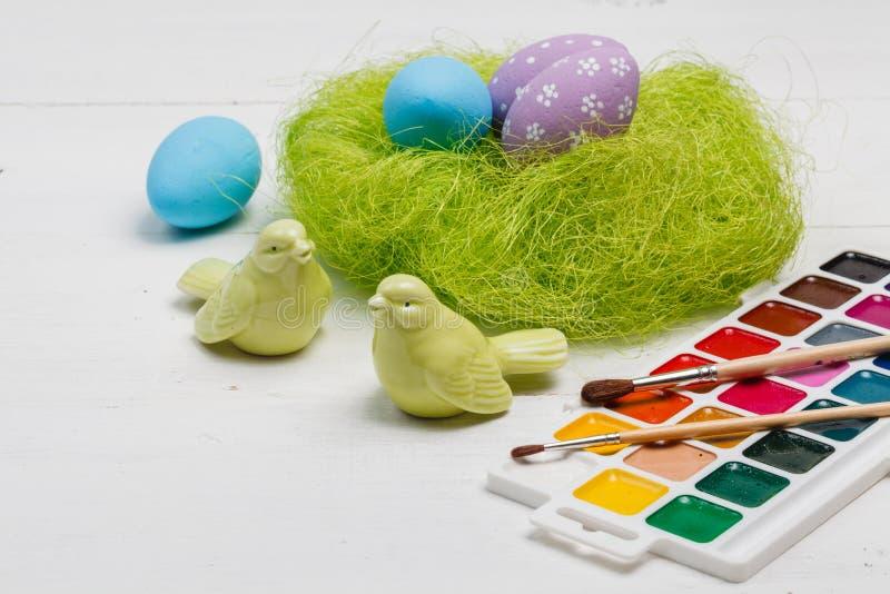 Les chiffres de Pâques ont peint à la main image libre de droits