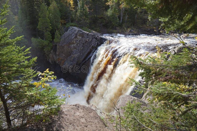 Les chutes d'Illgen sur la côte nord du Minnesota image stock
