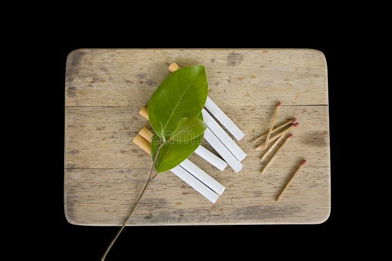 Les cigarettes ont isolé images libres de droits