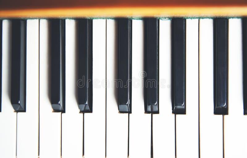 Les clés du piano poussiéreux photos libres de droits