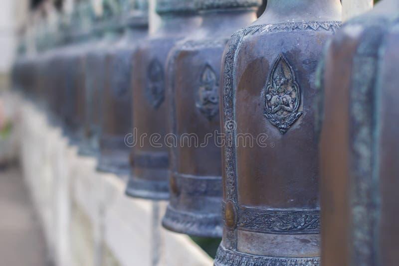 Les cloches dans le temple photographie stock libre de droits