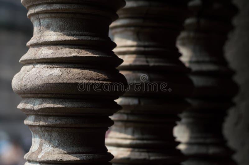 Les colonnes du complexe de temple d'Angkor Vat photos stock