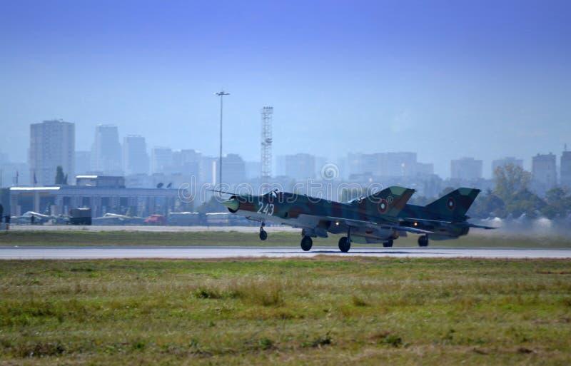Les combattants Mig-21 ont appareillé l'atterrissage image libre de droits