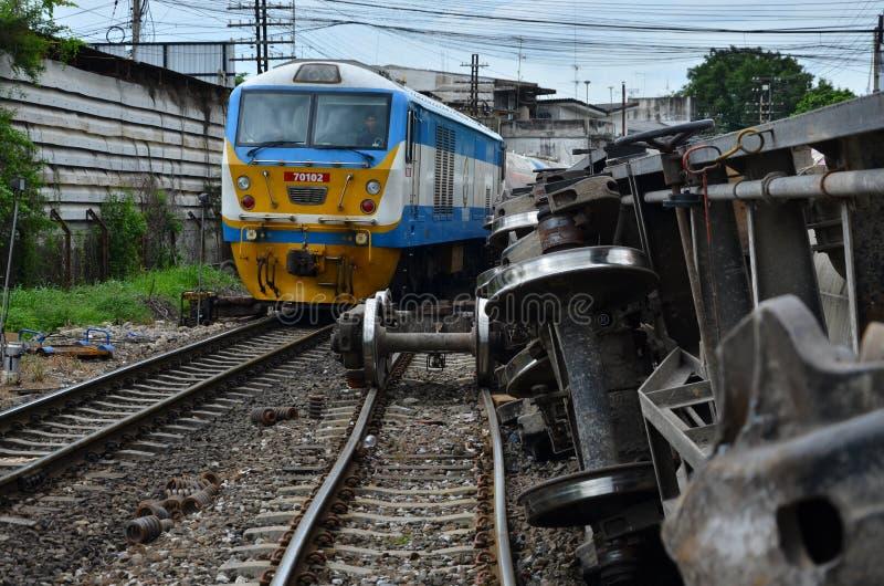 Les commandes d'essais de conducteur de train passent les ruptures de train image libre de droits