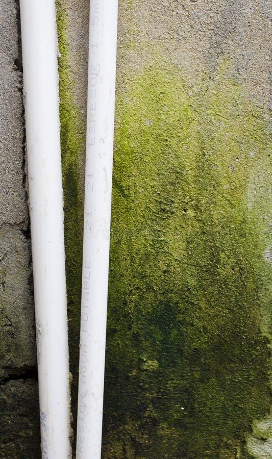 les couleurs contrastent la haute eau de pipes photos stock