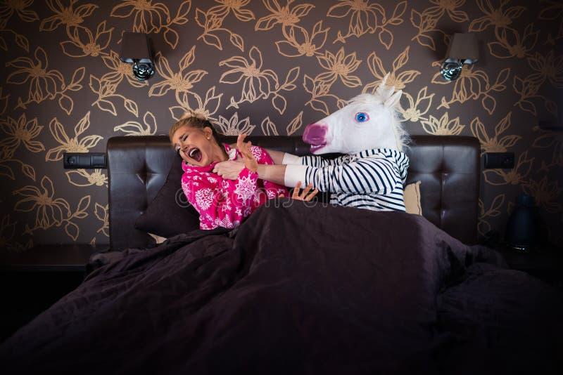Les couples peu communs découvrent des problèmes de relations photographie stock libre de droits