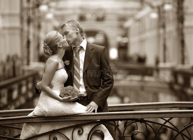 les couples se sont mariés neuf image libre de droits