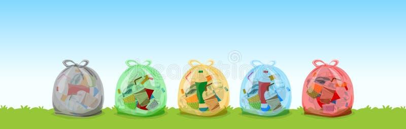 Les déchets en plastique clairs mettent en sac noir, vert, jaune, bleu et rouge sur le fond d'herbe et de ciel, ensemble de sacs  illustration stock