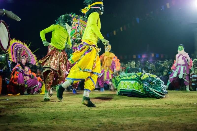 Les danseurs chez Chhau dansent le festival, le Bengale-Occidental, Inde photo stock