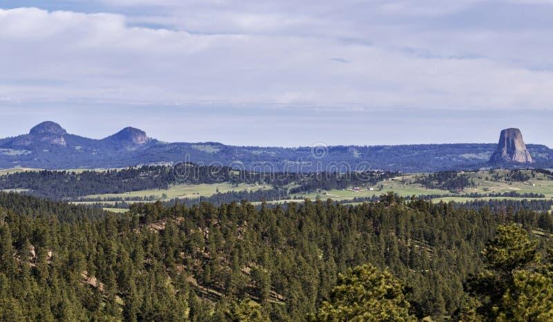 Les diables dramatiques dominent monument national, Wyoming LES Etats-Unis photos libres de droits