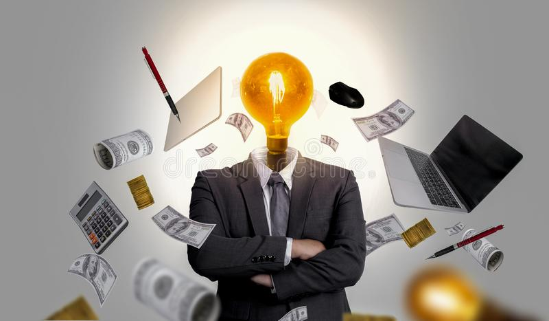 Les dirigeants sont pleins d'idées d'affaires et les médias mixtes de gestion photographie stock libre de droits