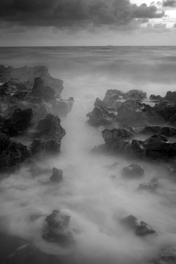 Les eaux brumeuses photo libre de droits